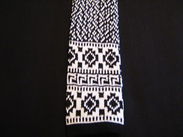 Black/white patterned knitted tie-0