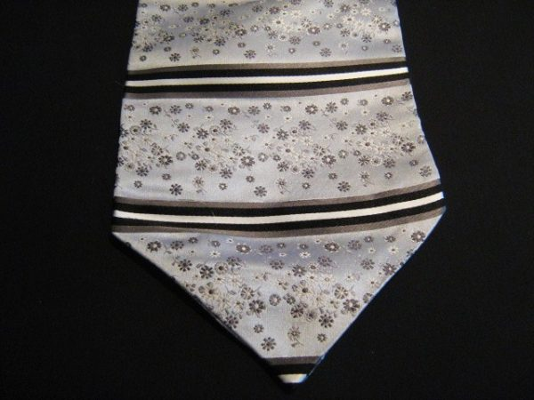 Grey floral silk cravat-0
