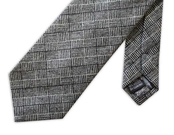 Black/white geometric tweed TIE-0