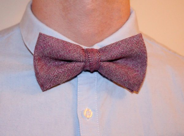 PINK HERRINGBONE BOW TIE AND POCKET SQUARE -0