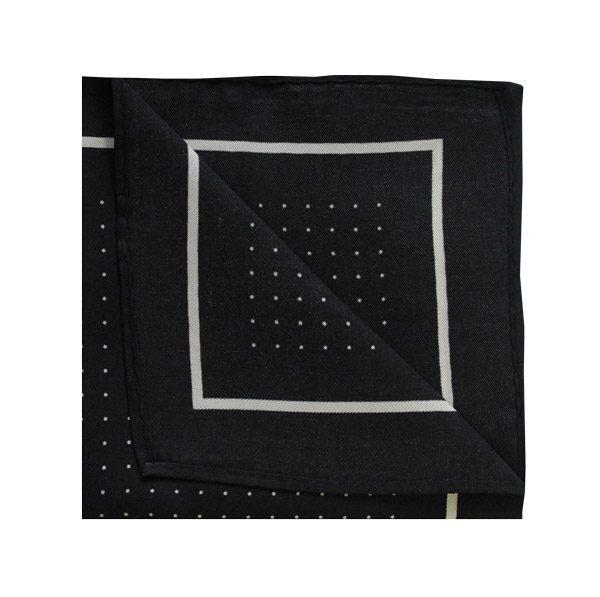 Pin dot square in black/white-0
