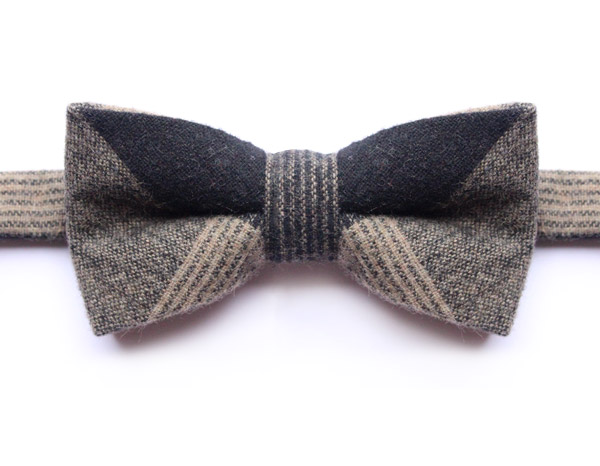 LARGE BLACK/BROWN/BEIGE PURE WOOL CHECK BOW TIE