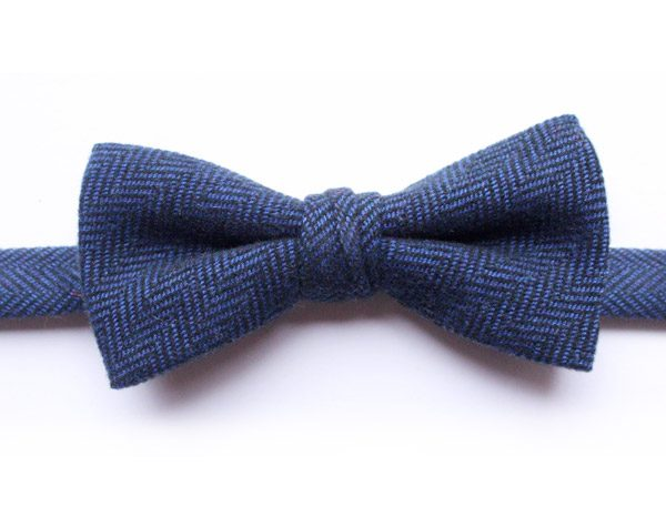 BLUE HERRINGBONE BOW TIE-0