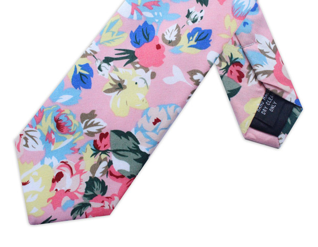 BABY PINK LARGE FLORAL TIE