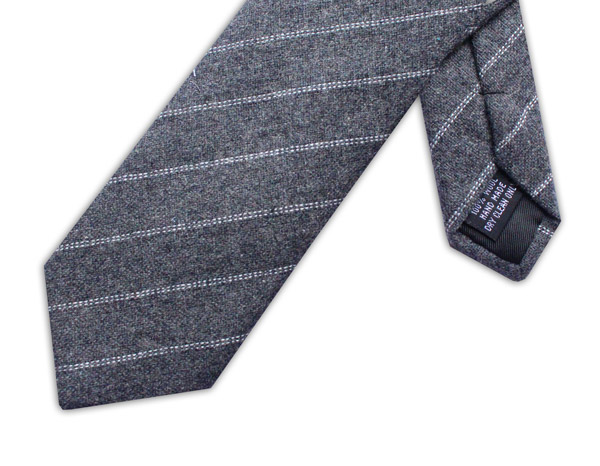 GREY/WHITE DIAGONAL STRIPE TIE